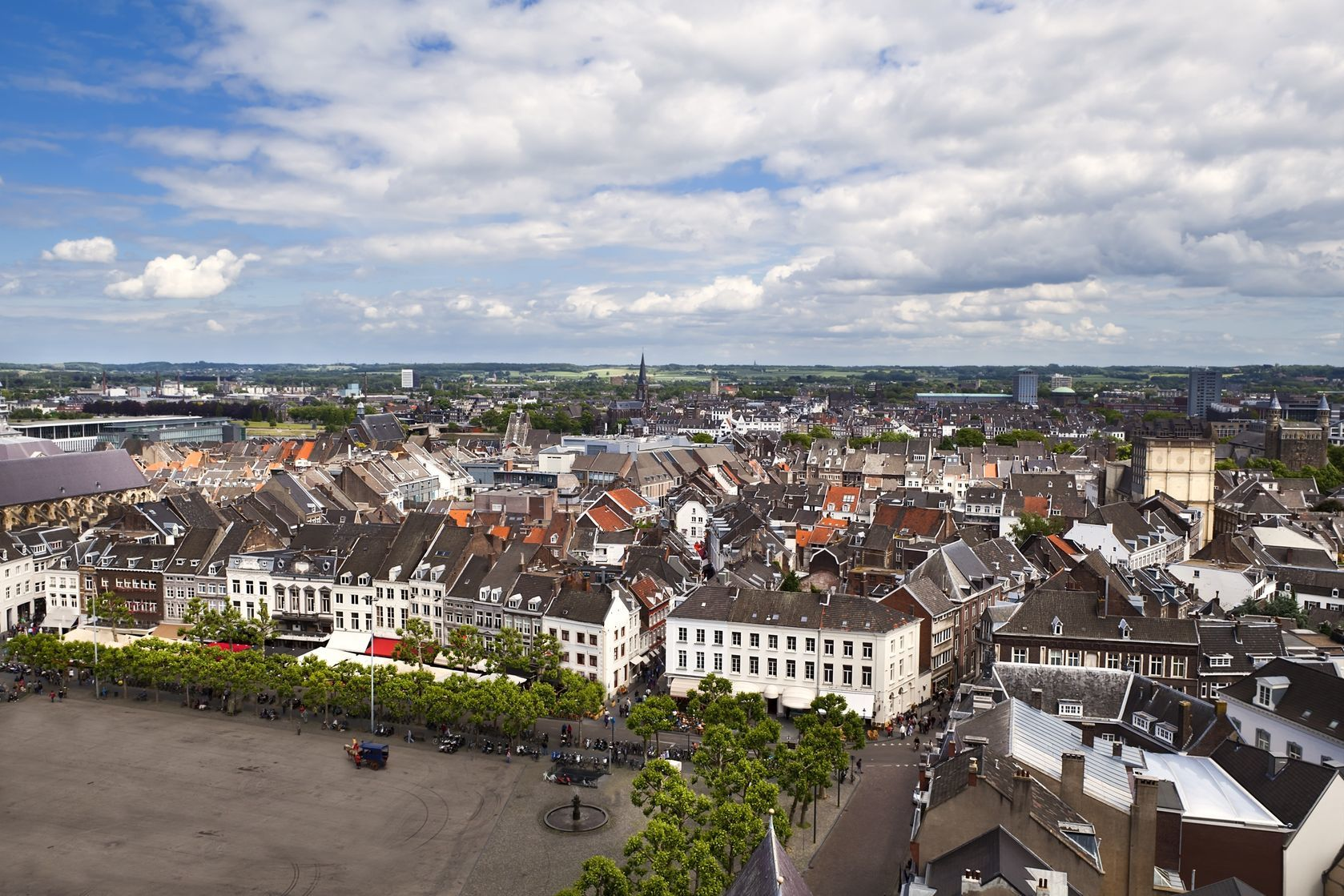 Pohled na město Maastricht   catolla/123RF.com