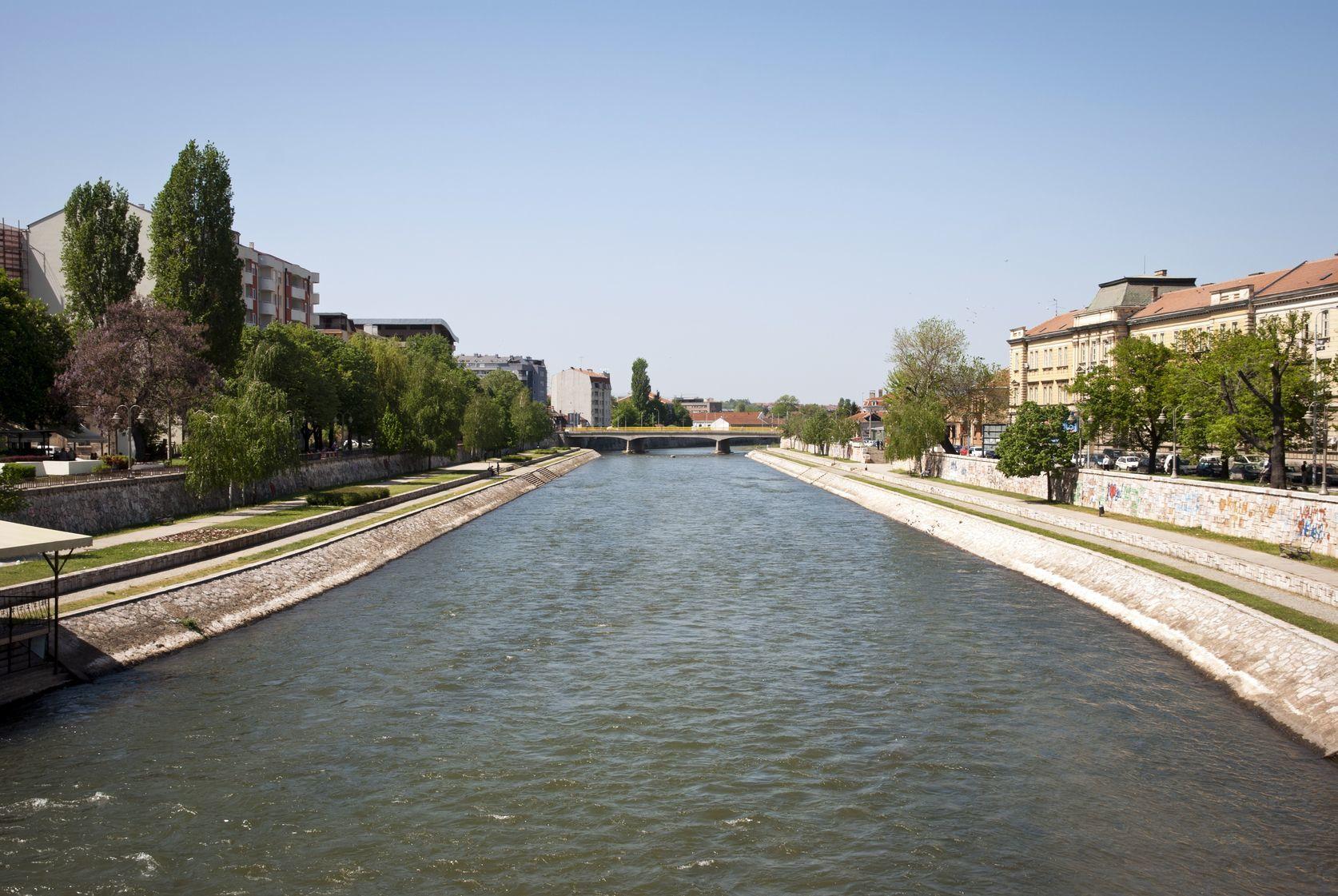 Řeka Nišava ve městě Niš | dinozzaver/123RF.com