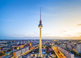 Televizní věž v Berlíně | sepavo/123RF.com