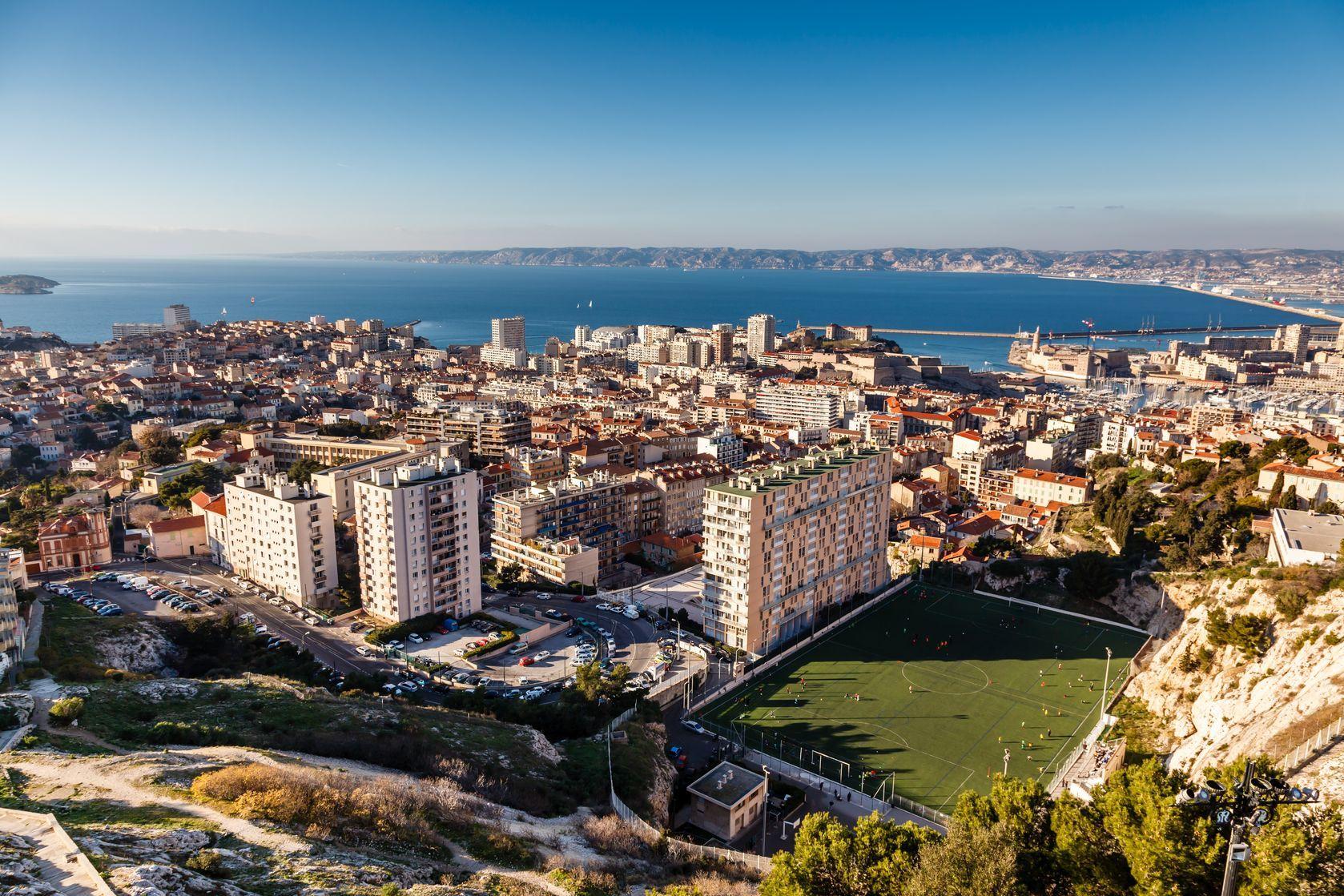 Letecký pohled na Marseille | anshar/123RF.com