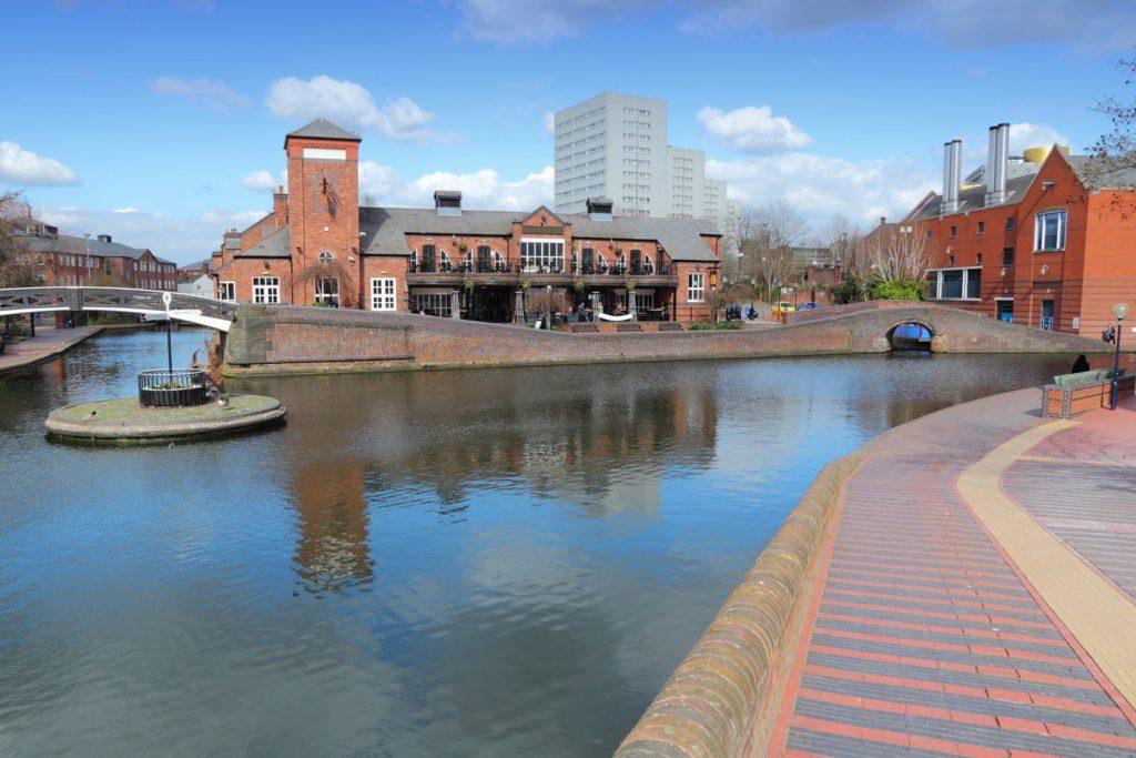 Vodní kanály v Birminghamu | tupungato/123RF.com