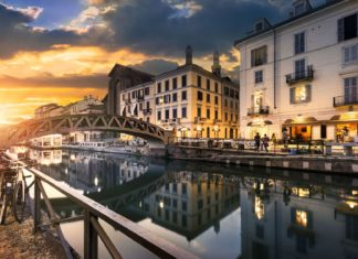Most přes Naviglio Grande kanál v Miláně | ventdusud/123RF.com