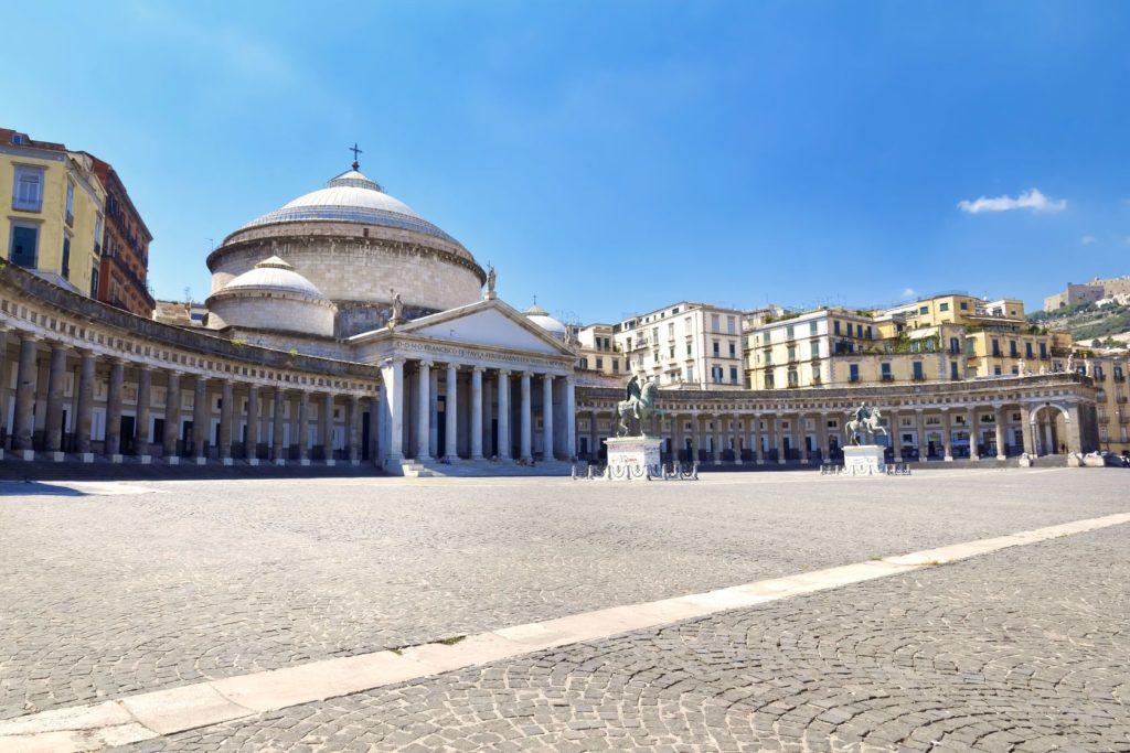 Bazilika svatého Františka z Pauly v Neapoli | lachris77/123RF.com