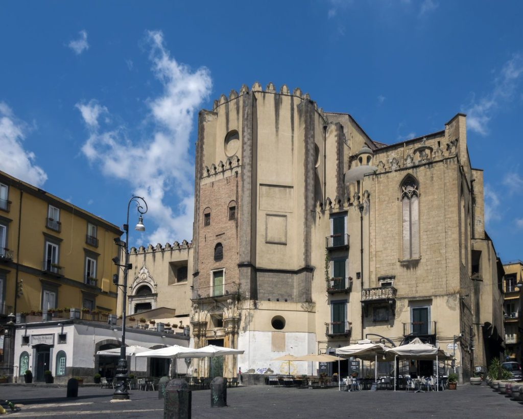 Kostel San Domenico Maggiore v Neapoli | v0v/123RF.com