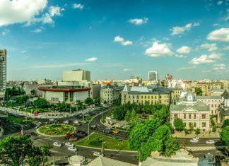 Panorama Bukurešti v Rumunsku | outchill/123RF.com