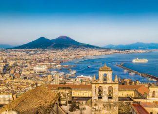 Panorama Neapole v Itálii | jakobradlgruber/123RF.com