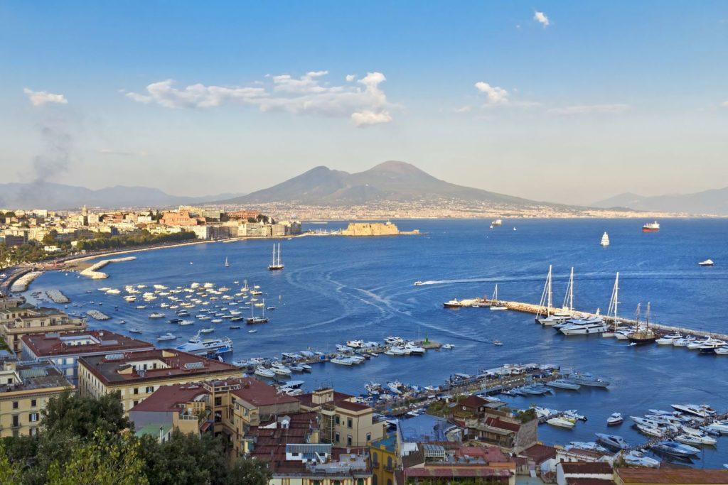 Přístav v Neapolském zálivu | lachris77/123RF.com