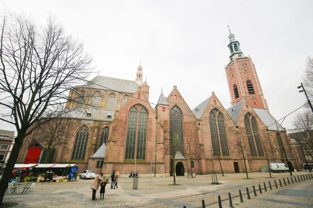 Grote Kerk v Haagu | jorisvo/123RF.com