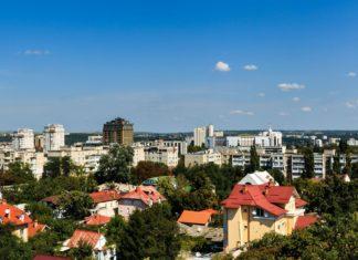 Letecký pohled na krajinu na Kišiněvu | ververidis/123RF.com
