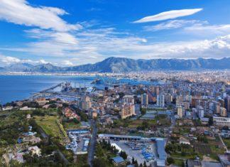 Letecký pohled na Palermo v Itálii | lachris77/123RF.com