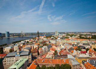 Letecký pohled na Rigu v Lotyšsku | prescott09/123RF.com