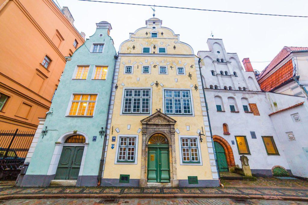 Měšťanské domy Tris Brali v Rize | macfromlondon/123RF.com