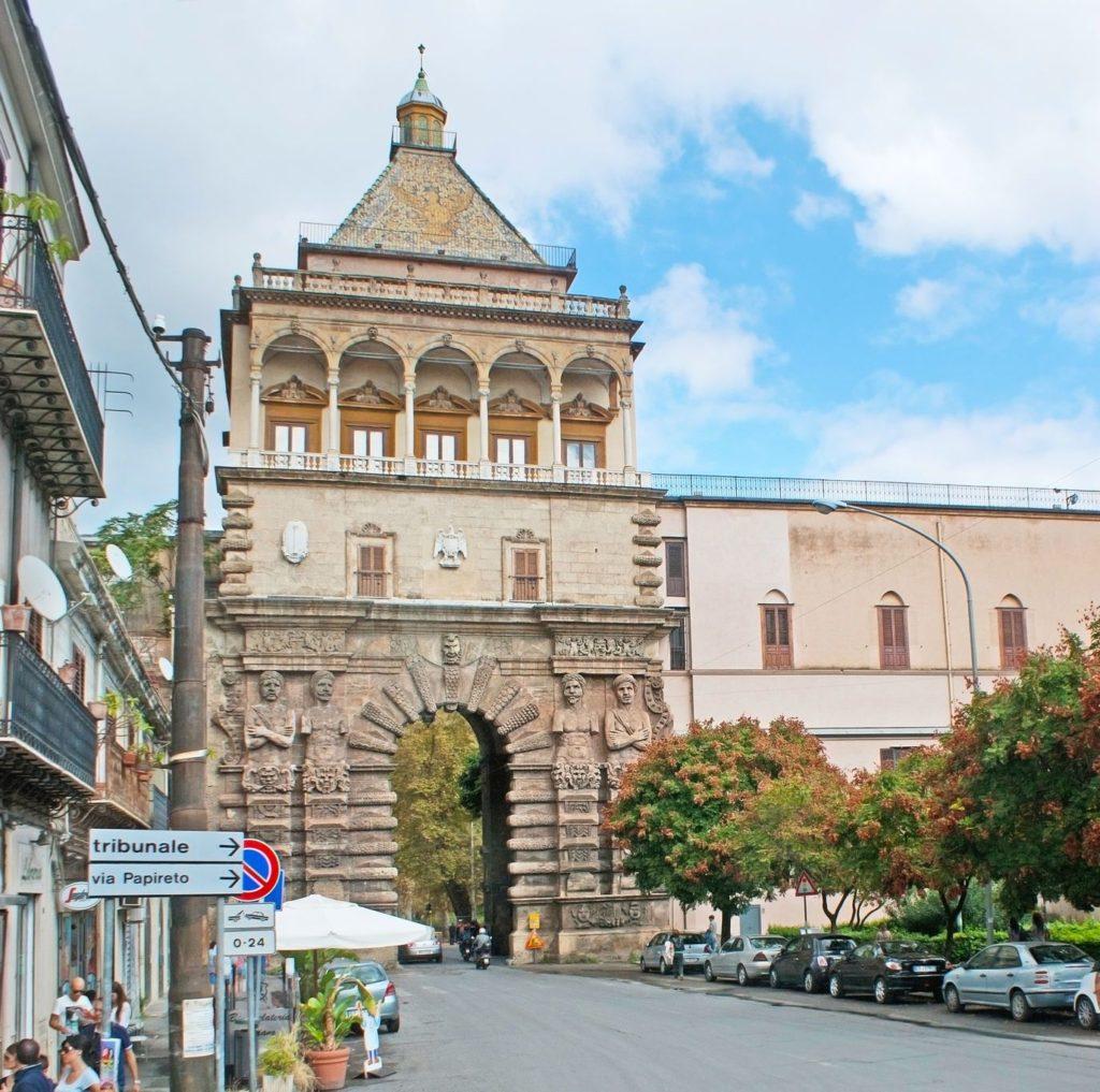 Nová brána v Palermu   efesenko84/123RF.com