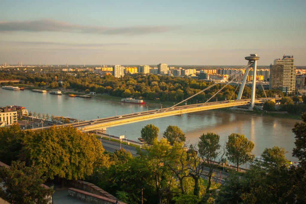 Nový most UFO v Bratislavě | rndms/123RF.com
