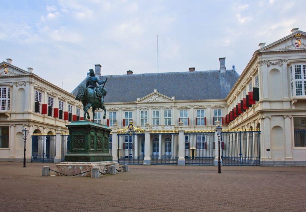 Palác Noordeinde v Haagu | neirfy/123RF.com