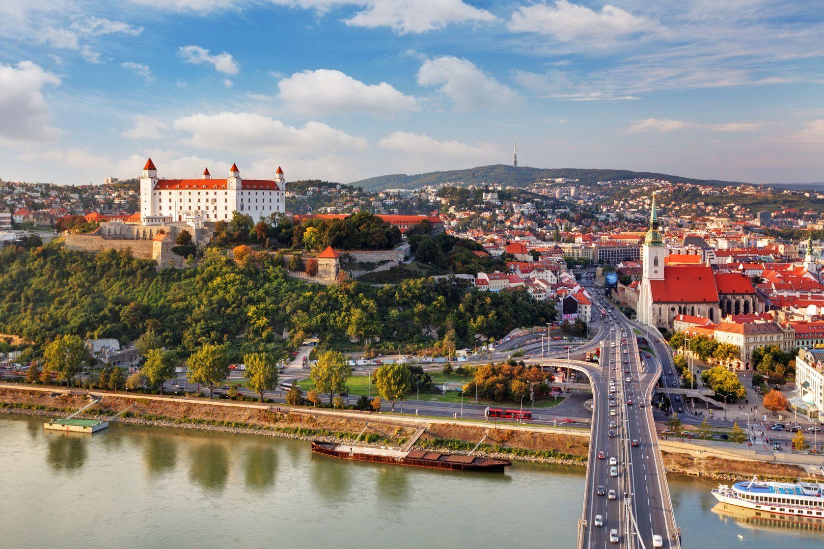 Panorama Bratislavy na Slovensku | tomas1111/123RF.com