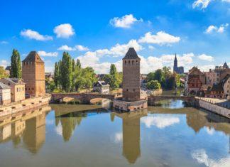 Panorama Štrasburku ve Francii | stevanzz/123RF.com