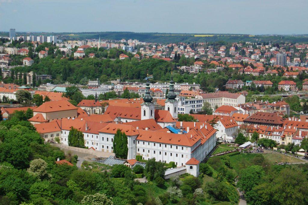 Pohled na Strahovský klášter v Praze | annavolotkovska/123RF.com