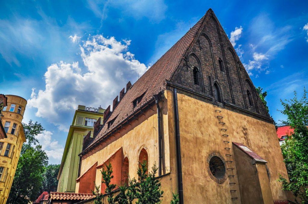Stará synagoga v židovské čtvrti v Praze | naxaso/123RF.com
