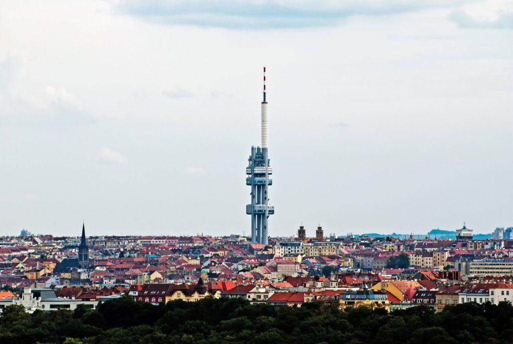 Žižkovská věž v Praze | vrabelpeter/123RF.com