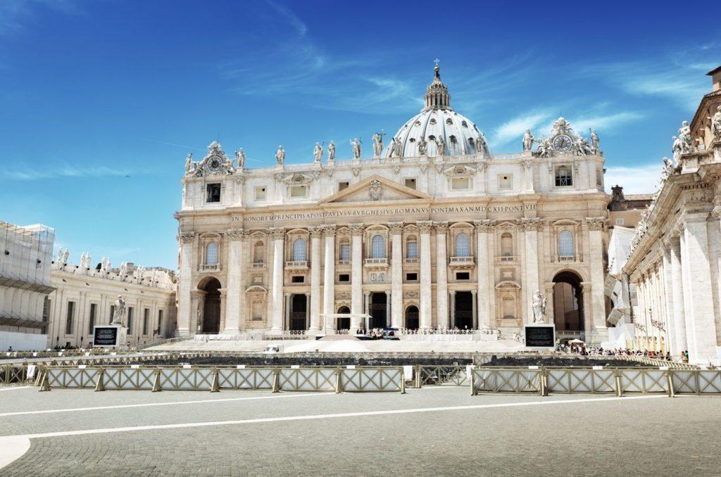 Bazilika sv. Petra ve Vatikánu | iakov/123RF.com