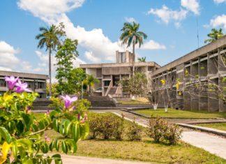 Budova parlamentu v Belmopan City | milosk/123RF.com
