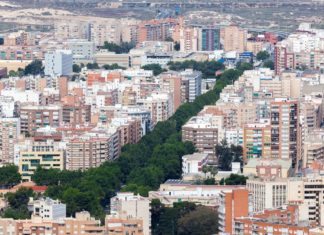 Letecký pohled na město Cartagena ve Španělsku | philipus/123RF.com
