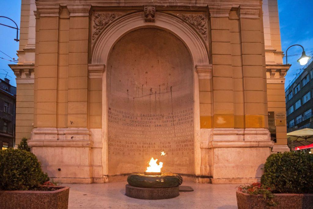 Památník Věčný plamen v Sarajevu | paulprescott72/123RF.com