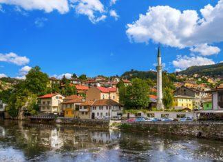 Staré město Sarajevo v Bosně a Hercegovině   Violin/123RF.com