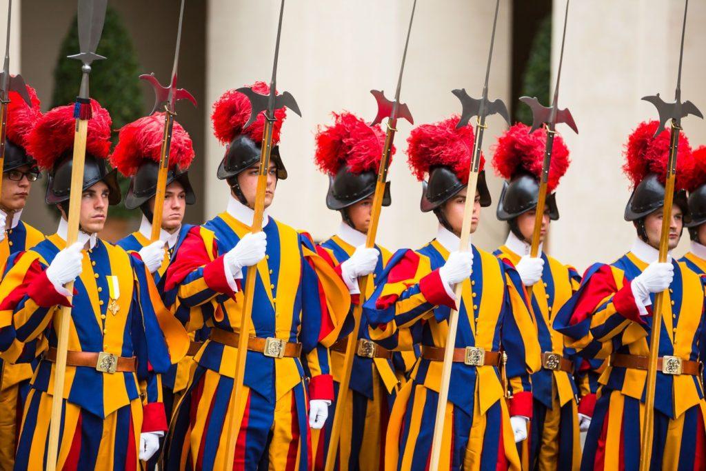 Švýcarská garda ve Vatikánu | palinchak/123RF.com