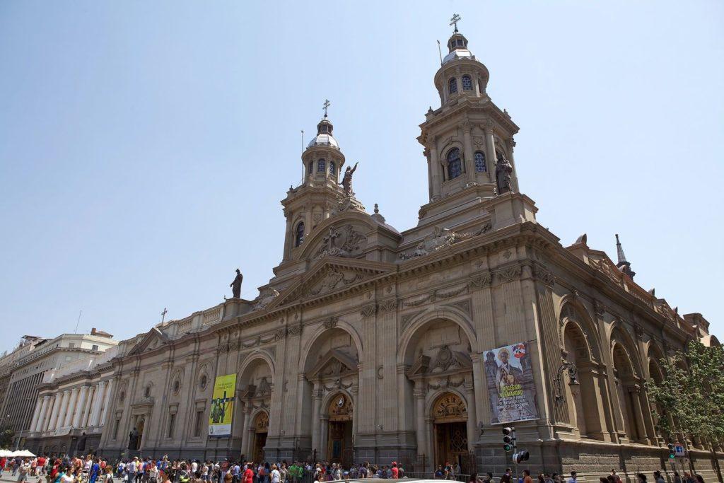 Catedrala Metropolitana v Santiago de Chile | ajlber/123RF.com