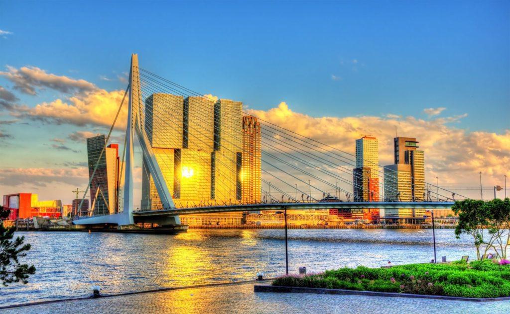 Erasmův most v Rotterdamu | elec/123RF.com