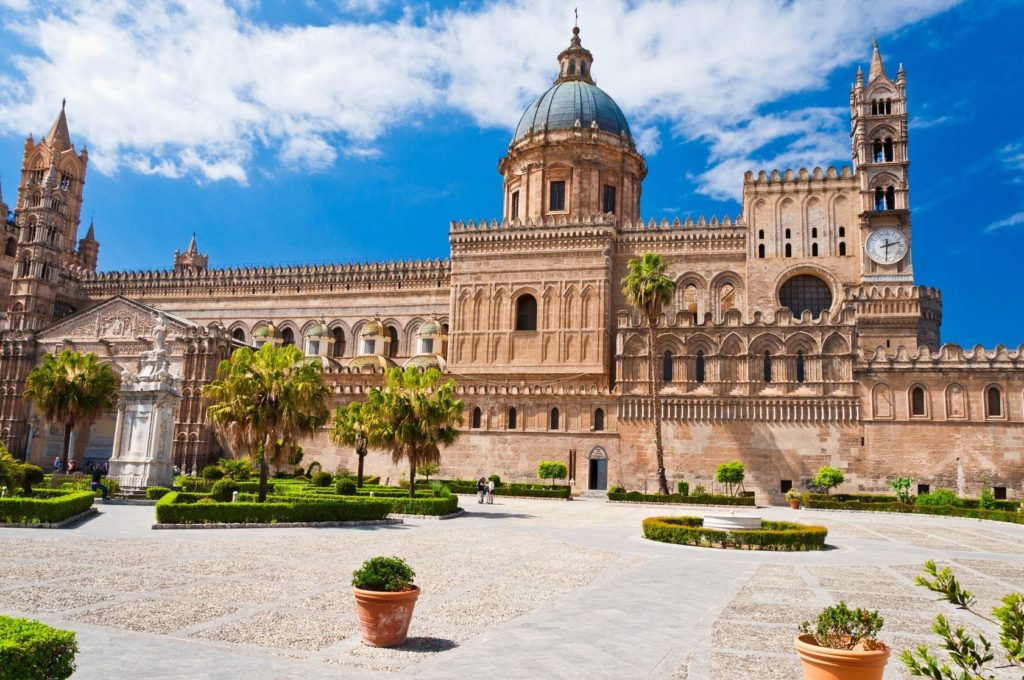Katedrála Santa Vergine Maria Assunta v Palermu | davidionut/123RF.com