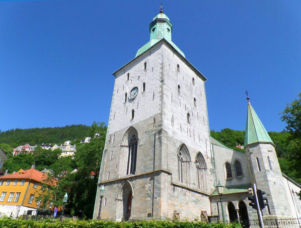 Katedrála v norském Bergenu | lovelypeace/123RF.com