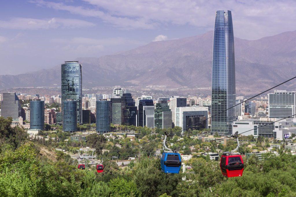 Lanovka v Cerro San Cristóbal parku v Santiago de Chile | erlucho/123RF.com
