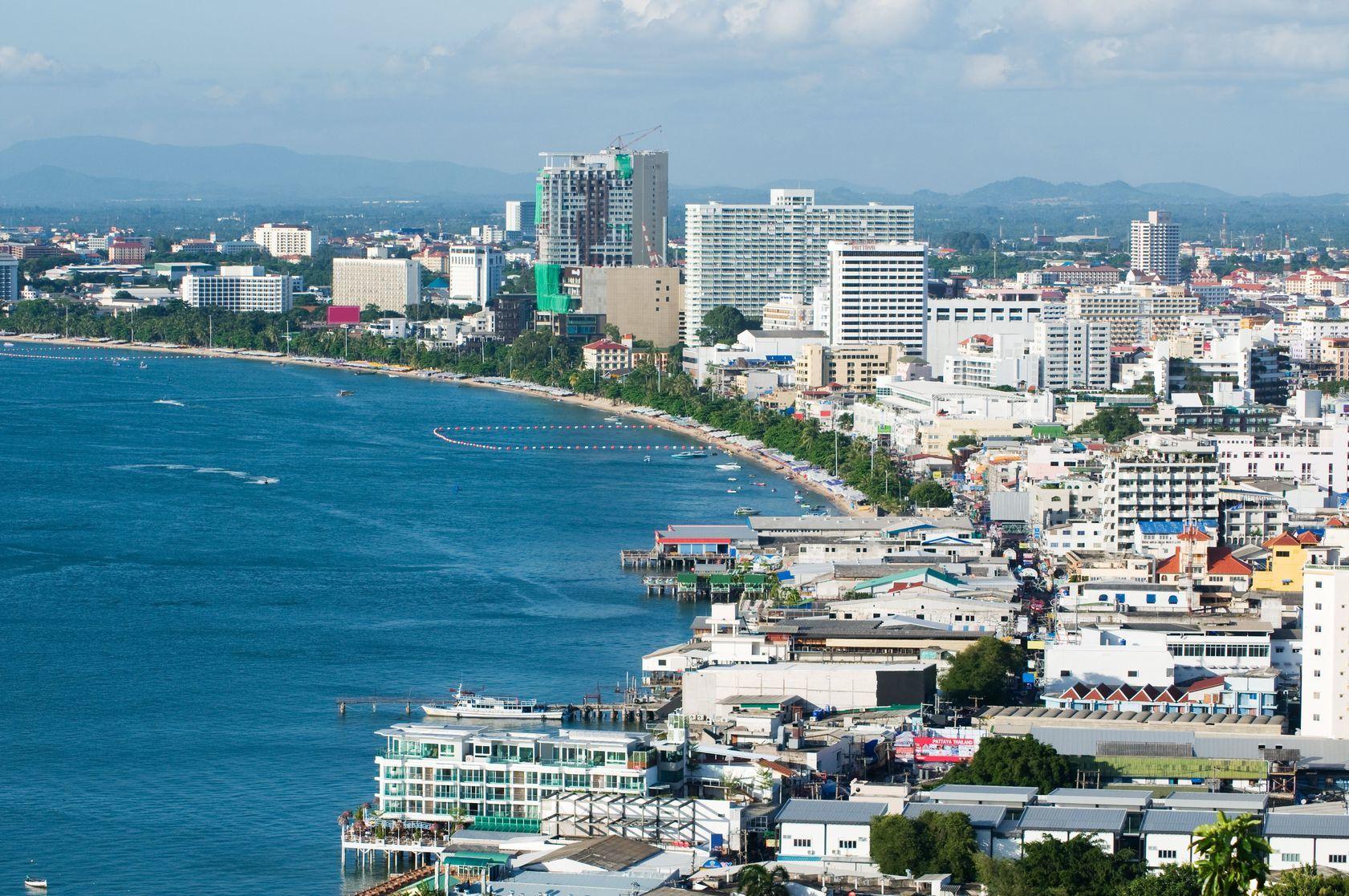 Letecký pohled na město Pattaya v Thajsku | epixx/123RF.com