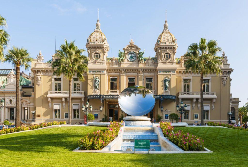 Monte Carlo Casino v Monaku | Elenathewise/123RF.com