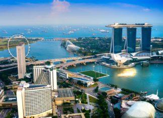 Panorama Singapuru při západu slunce   masterlu/123RF.com