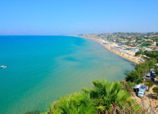 Pobřeží ostrova Sicílie | kho/123RF.com