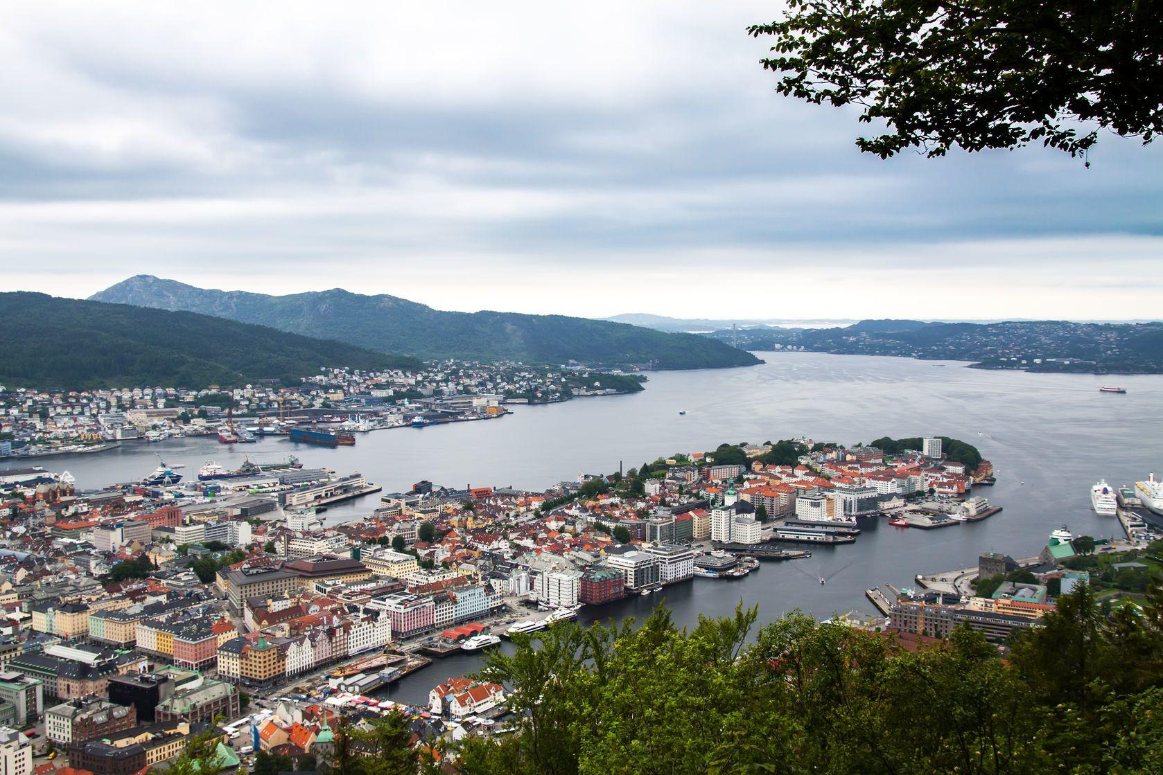 Pohled na město Bergen v Norsku | kotangens/123RF.com