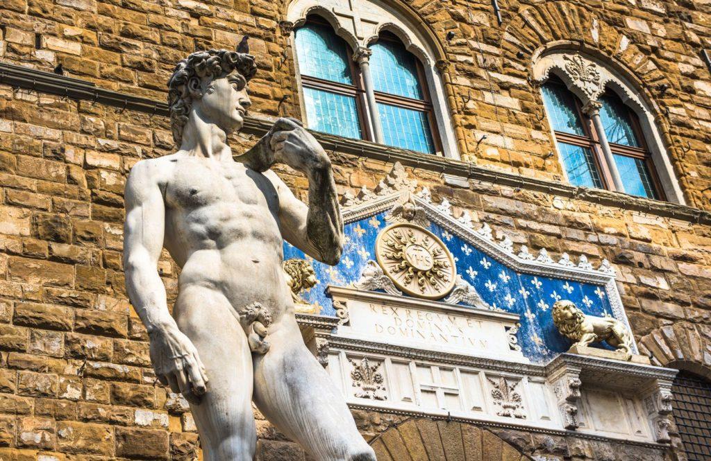 Socha Davida na Piazza della Signoria ve Florencii   javarman/123RF.com