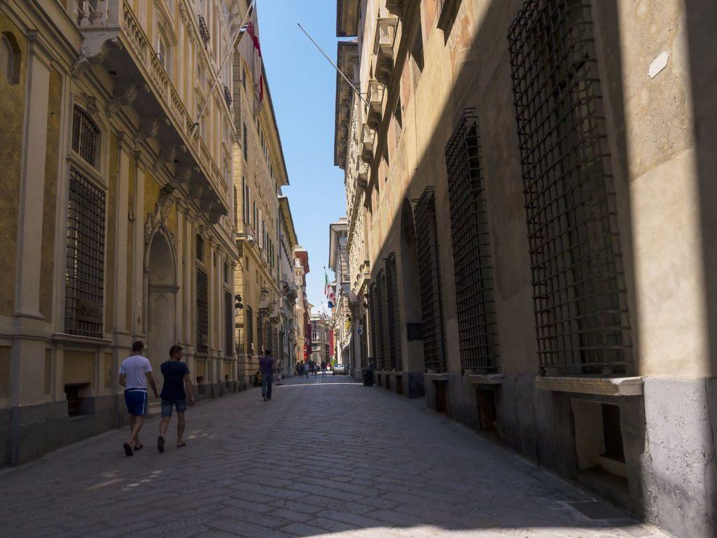 Ulice Via Garibaldi v Le Strade Nuove v Janově | quasargal/123RF.com