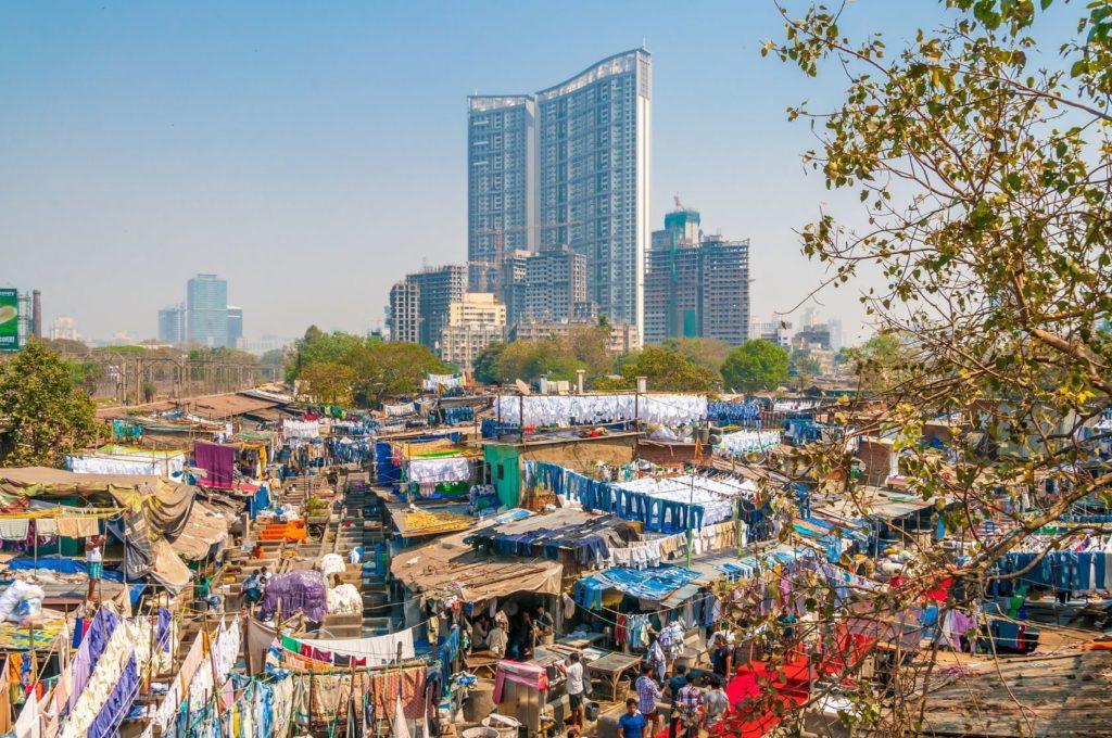 Venkovní prádelna v Dhobi Ghat v Bombaji | milosk/123RF.com