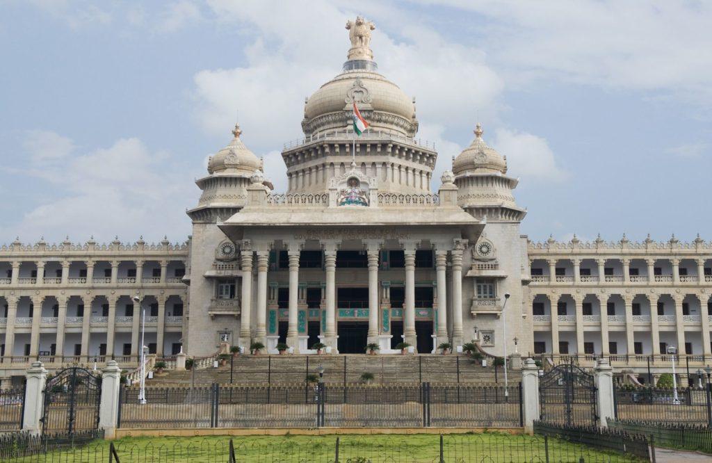 Vidhana Soudha v Bengalúru | imagedb/123RF.com