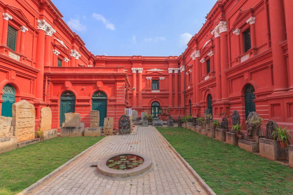 Vládní muzeum a galerie umění Venkatappa v Bengalúru | noppasinw/123RF.com