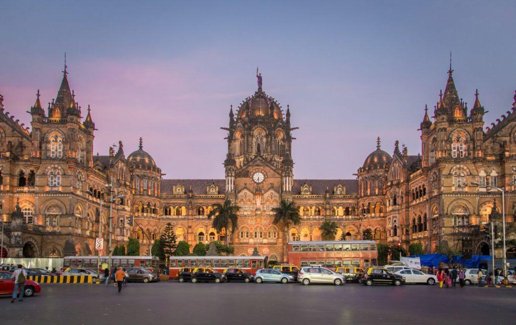 Vlakové nádraží Chhatrapati Shivaji Terminus v Bombaji | paulprescott72/123RF.com