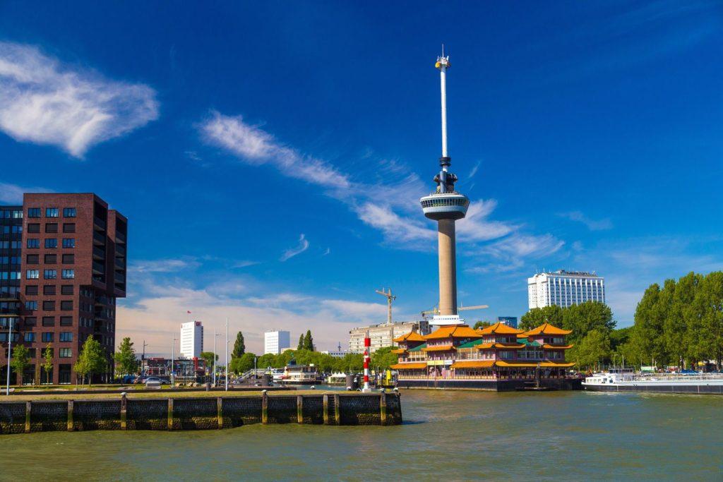 Vyhlídková věž Euromast v Rotterdamu | beketoff/123RF.com