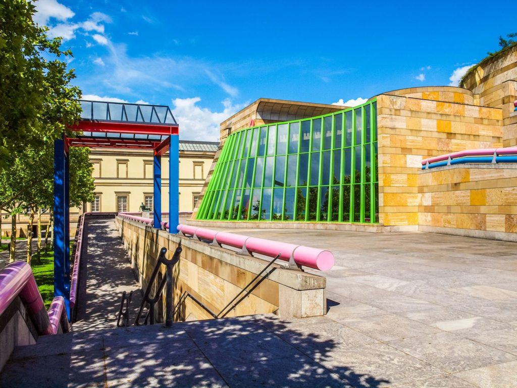 Budova Neue Staatsgalerie ve Stuttgartu | claudiodivizia/123RF.com