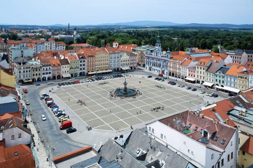 Centrální náměstí Českých Budějovic se Samsonovou kašnou | klug/123RF.com