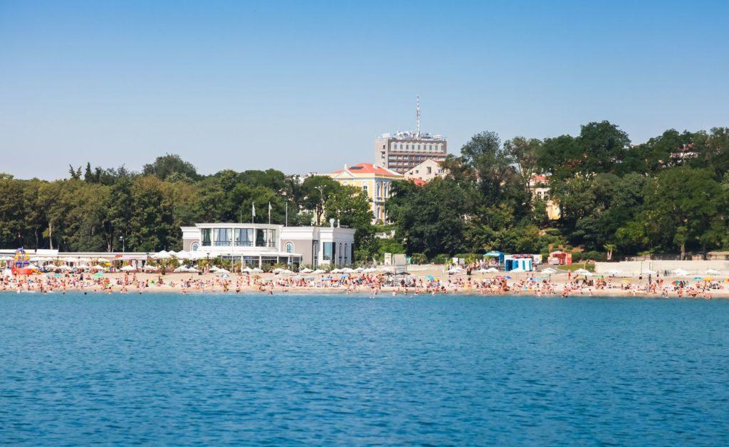 Centrální pláž poblíž Sea Garden v Burgasu | eugenesergeev/123RF.com